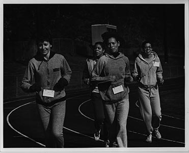 WPUPhotos_homecoming1982WomensTrackTeam.jpg.jpg